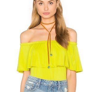 Revolve nytt yellow off the shoulder top